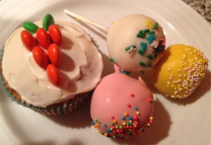 Carrot Cupcakes and Easter pops